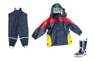 Детски дъждобран, гумиран гащеризон и гумени ботушки за момче
